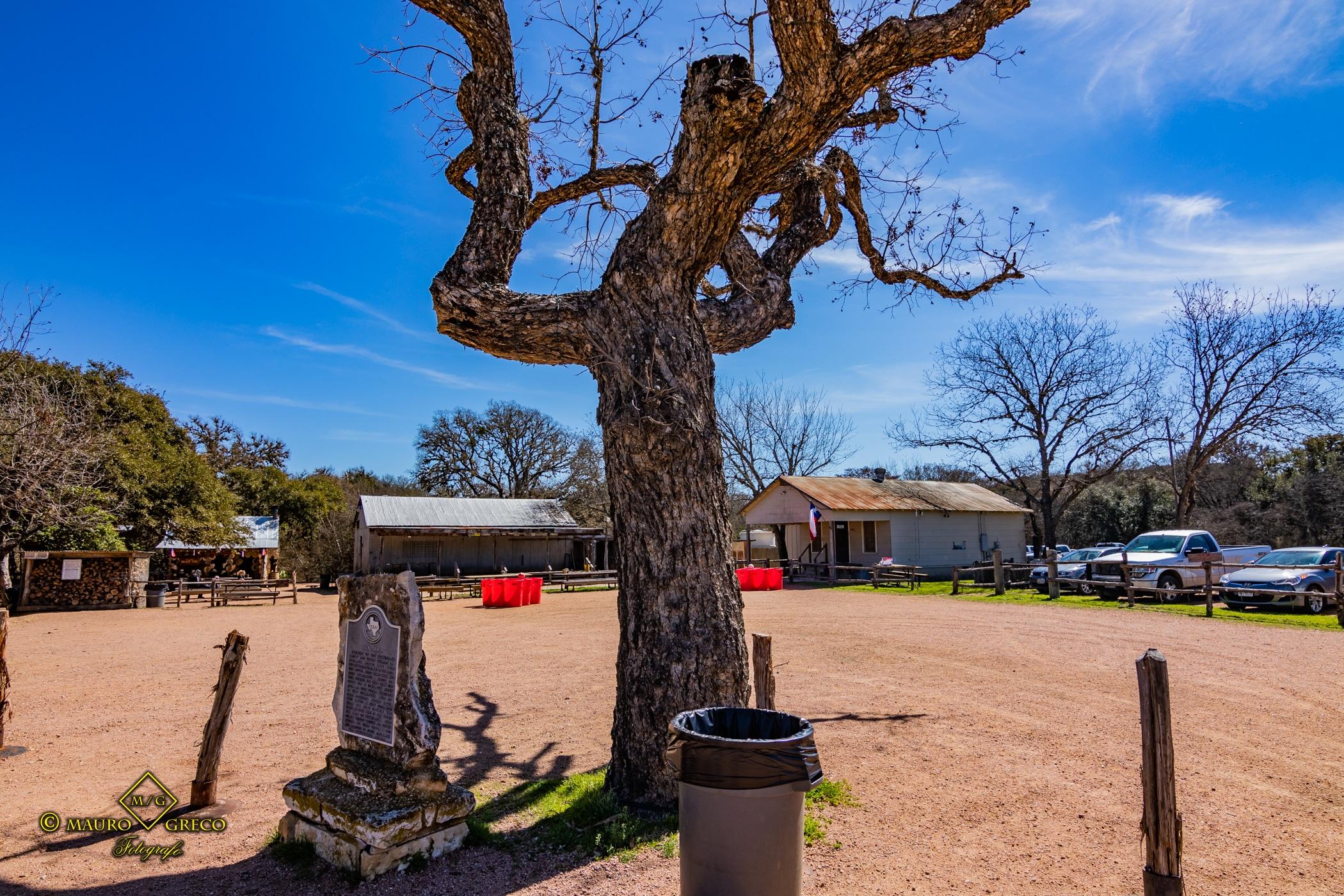 Luckenbach Texas 2020 Tornado Moto Tour Viaggi organizzati in moto negli USA Monument Valley